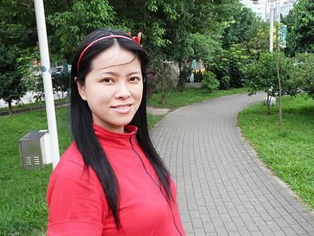 慈濟醫院台北分院外面的公園 (8).JPG