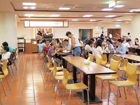 慈濟醫院台北分院地下一樓美食街 (5).JPG