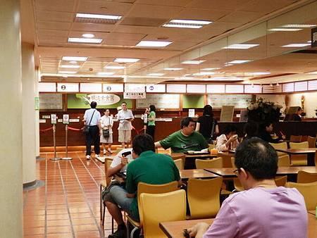 慈濟醫院台北分院地下一樓美食街 (6).JPG