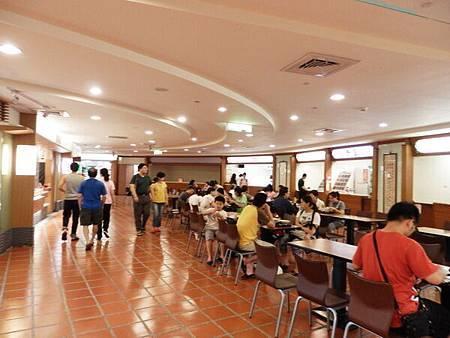 慈濟醫院台北分院地下一樓美食街 (7).JPG