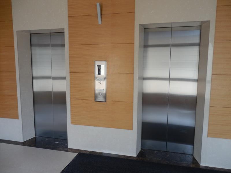 出入電梯 (1).JPG