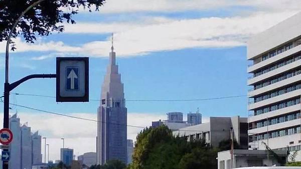 #1. NTT DOCOMO 代代木大樓1