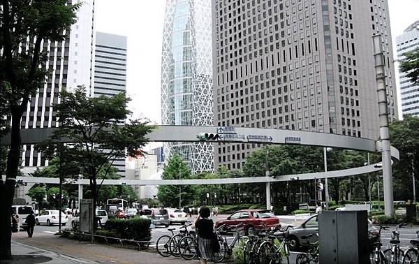 東京。新宿的一個交叉口