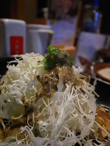 高麗菜淋上芝蔴醬--絕配