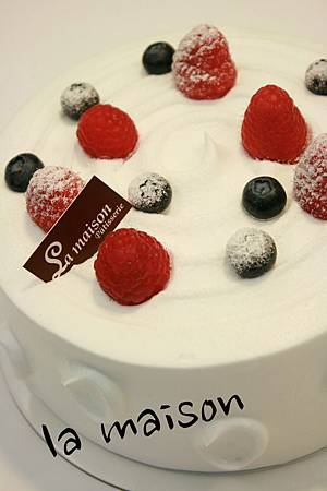 6吋鮮奶莓果cake