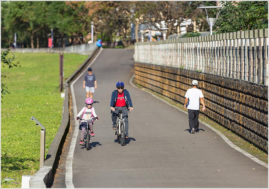河堤自行車道.jpg