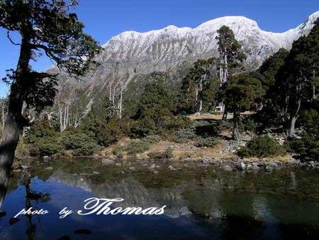 翠池與雪山