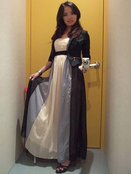 JoanneKitten春之女神細肩帶高腰長禮服穿搭1