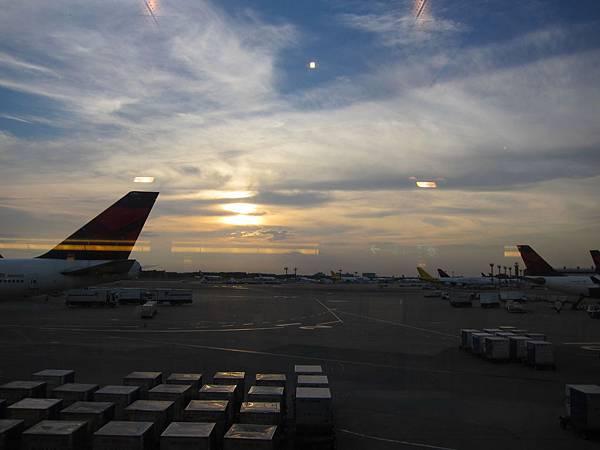 120623成田機場 (2)