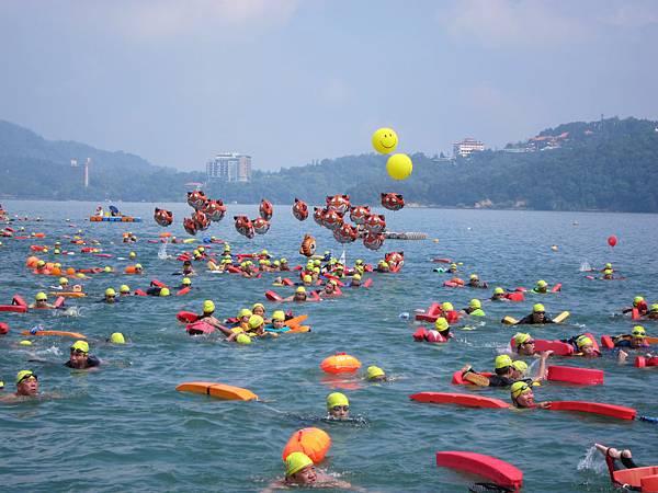 130908 萬人泳渡日月潭 (18)