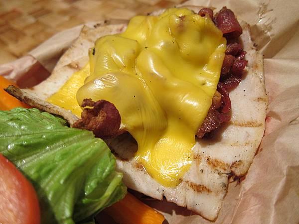 131208 Kua Aina Sandwich Shop (9)