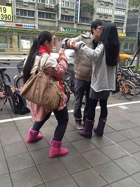 131229 大安森林公園站拍照 (8)