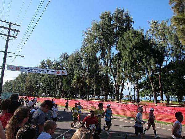 131208-1 Honolulu Marathon (5)