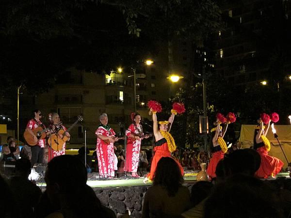 131214-5 Kuhio Beach Park Hula Show (4)
