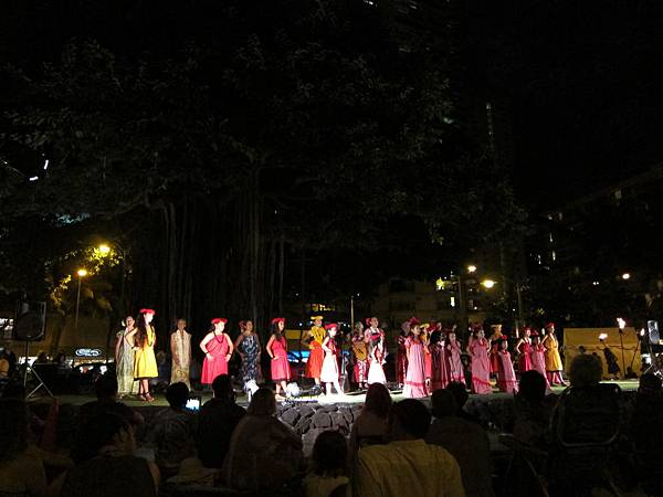 131214-5 Kuhio Beach Park Hula Show (6)