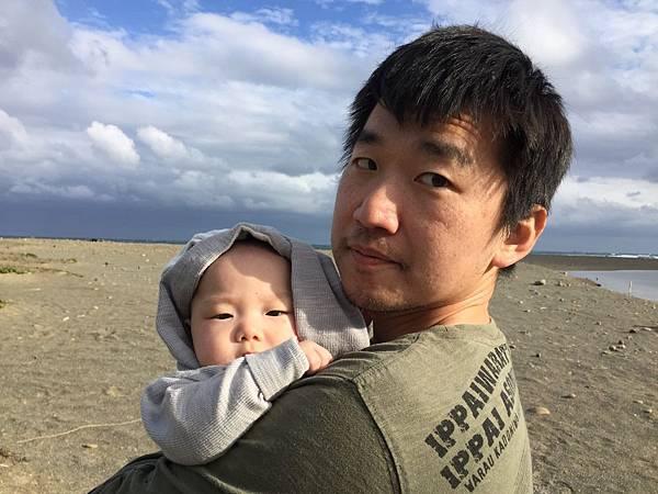 180211 第一次踏到沙灘@佳樂水