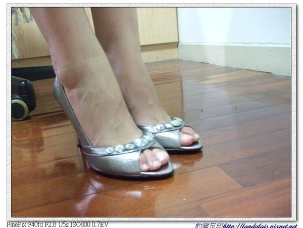 KOKKO銀色動物風潮蜥蝪壓紋水鑽跟鞋實穿近拍