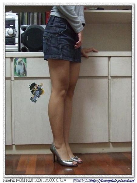 KOKKO銀色動物風潮蜥蝪壓紋水鑽跟鞋實穿側面