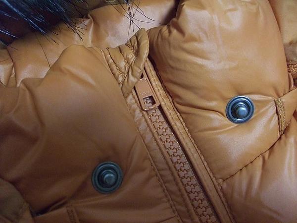 lativ橘色超輕量羽絨外套