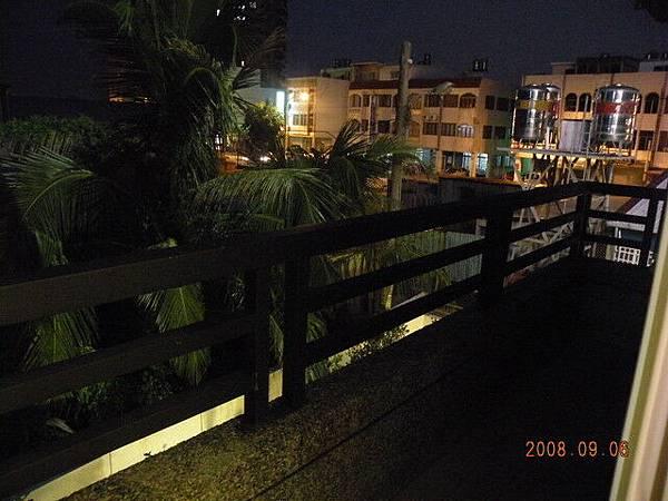 夜晚的陽台
