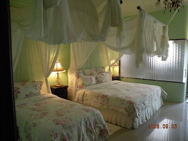 cindy夫妻倆住的房間