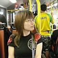 巴士的空間較大