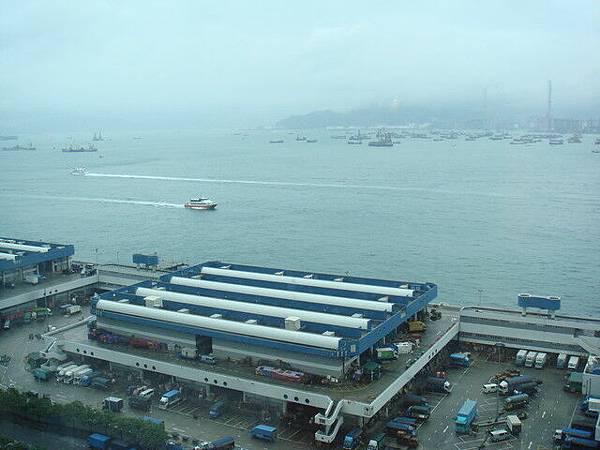 第二天早上的港口