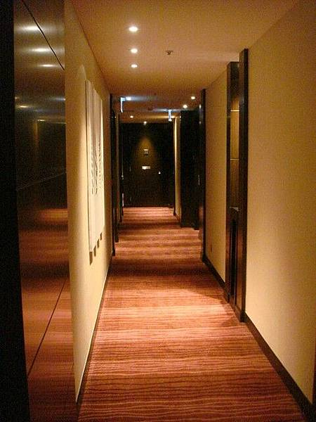 房間外走廊
