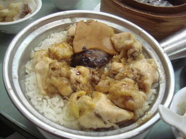 這飯好吃 雖然是普通的雞肉拌飯