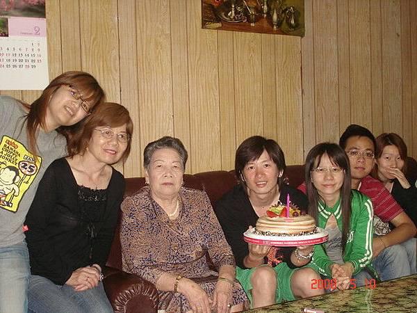要帶外婆和老媽去過母親節