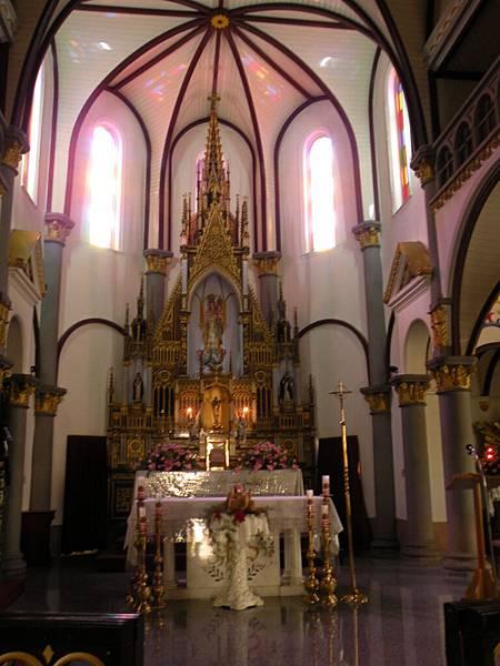 很漂亮的教堂內部