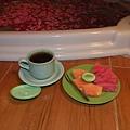 SPA完後的薑茶和水果