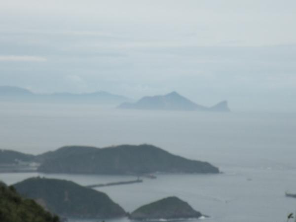 在雲中的龜山島