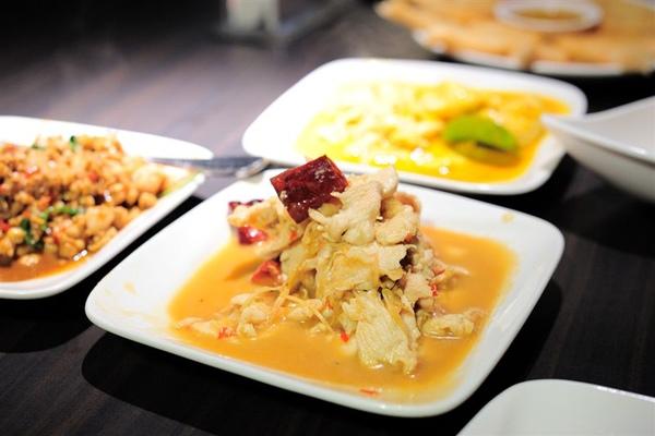 泰鼎:黃咖哩肉片