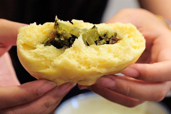 南瓜酸菜包