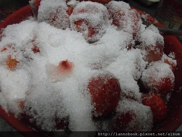 草莓醬-浸糖