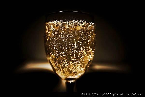 alcohol-2178775_640.jpg