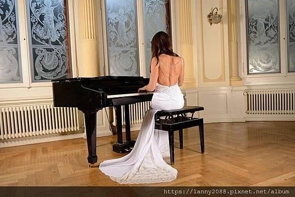 高雄卓詩曼鋼琴酒吧
