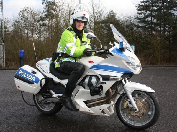 PoliceMotoGuzzi1_800.jpg