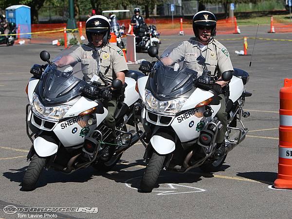 Motorcycle-Police-Skills-13.jpg