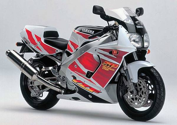 107-Yamaha-YZF750-SP-1993.jpg