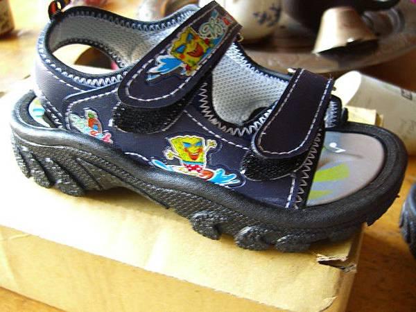 切貨海綿寶寶兒童涼鞋 (7)