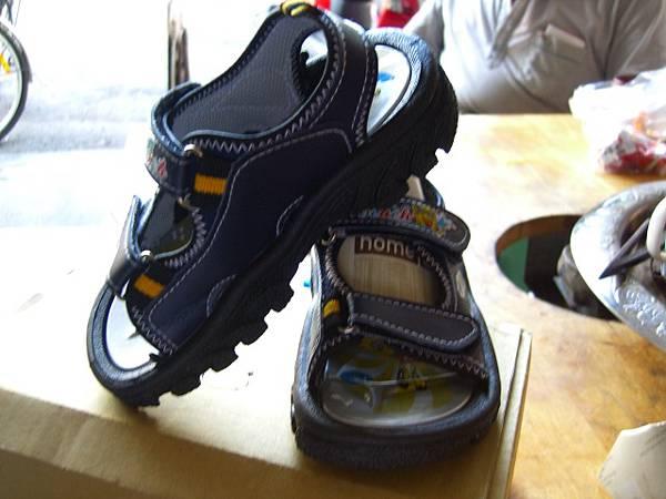 切貨海綿寶寶兒童涼鞋 (12)