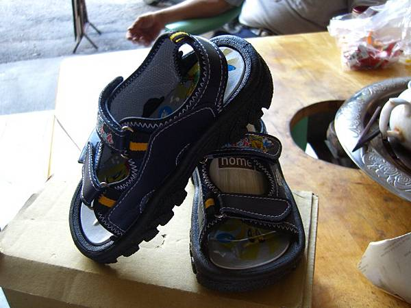 切貨海綿寶寶兒童涼鞋 (13)