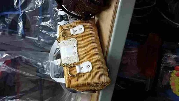 台中阿久切貨服裝批發電話0923596771