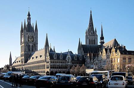 Ypres_grand_place
