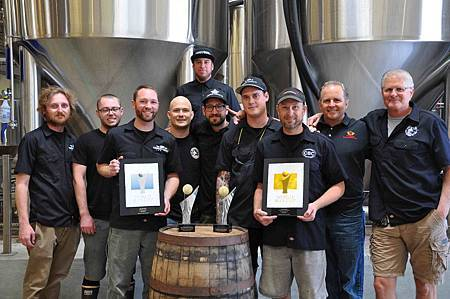 Coronado-Brewers-with-World-Cup-medals