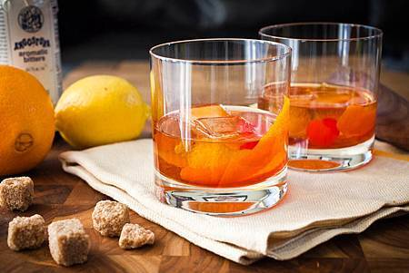 Old_Fashioned_Cocktail_3