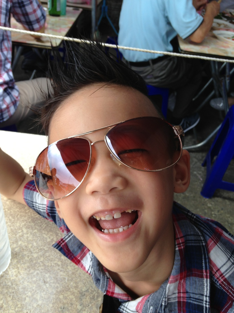 YoYo with sunglasses