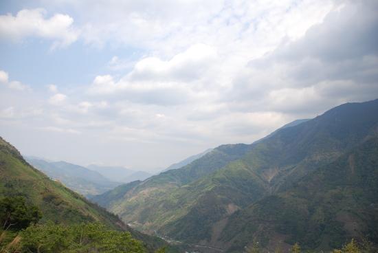 034台21縣道的山巒美景.jpg